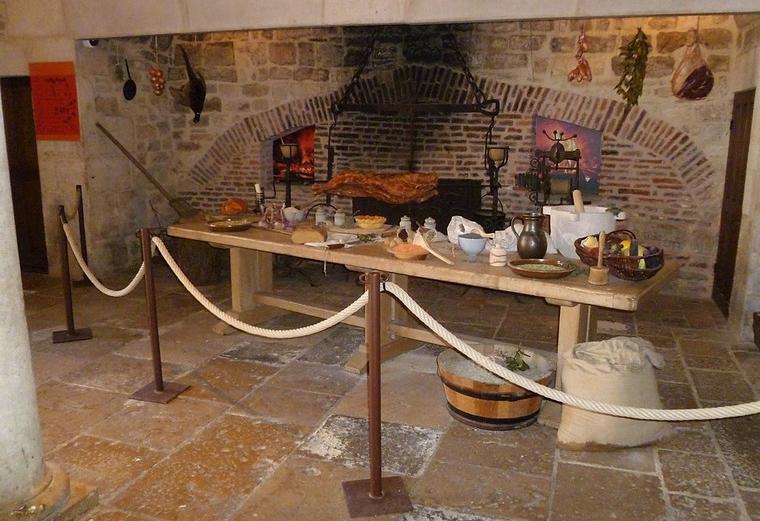 De keuken in Château du Clos de Vougeot (Wijn uit Bourgogne)